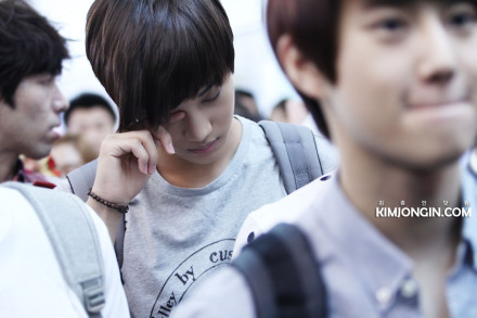 120727 EXO-K at Incheon airport - Kai ♥ and cute Suho in the front ♥♥